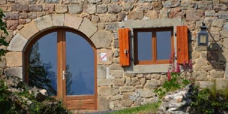 La Grange de Sagne La Grange de Sagne, Chambres d`Hôtes Saint Jean Roure (07)