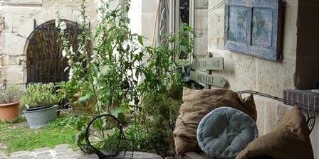 Fenetre Sur Cour Fenetre Sur Cour, Chambres d`Hôtes Clairoix (60)