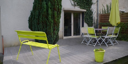 Gite 4 étoiles Le Jardin D'inès Gite 4 étoiles Le Jardin D'inès, Chambres d`Hôtes Montferrand Le Château (25)