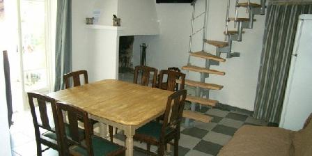 Le Gîte de L'antiquaire Le Gîte de L'antiquaire, Chambres d`Hôtes Saint Chaptes (30)