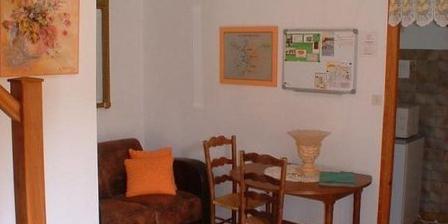 Chambre d'hotes La Glycine > La Glycine, Chambres d`Hôtes Thairé (17)