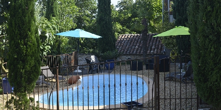 La Grange de Mailhac La Grange de Mailhac, Chambres d'hôtes à Barjac, la piscine
