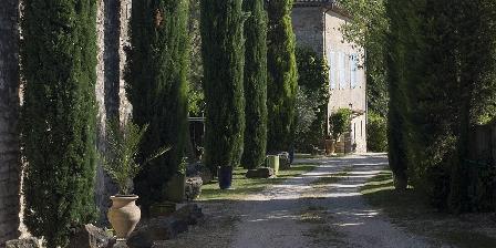 La Grange de Mailhac Le chemin d'accès à la Grange de Mailhac