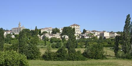 La Grange de Mailhac Vue sur le village de Barjac depuis la Grange de Mailhac