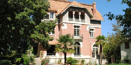 Chateau Mezger Chateau Mezger, Chambres d`Hôtes Albefeuille Lagarde (82)