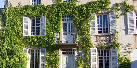 La Chanoinesse La Chanoinesse, Chambres d`Hôtes Salles Arbuissonnas En Beaujolais (69)