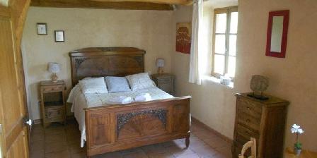 Mas de Bourlenc Mas de Bourlenc, Chambres d`Hôtes St Julien Du Serre (07)