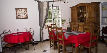 Aux Hôtes de Guy Le Rouge Aux Hôtes de Guy Le Rouge, Chambres d`Hôtes Rochefort En Yvelines (78)