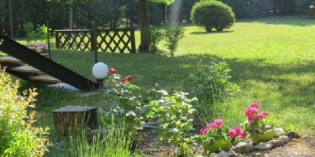 Chambre d'hotes Le Jardin > Le Jardin, Chambres d`Hôtes Laragne (05)