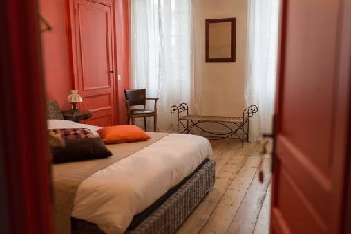 Château Rouge 47, Chambres d`Hôtes Sainte-Bazeille (47)