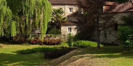 Moulin de La Source Bleue Moulin de La Source Bleue, Chambres d`Hôtes Touzac (46)