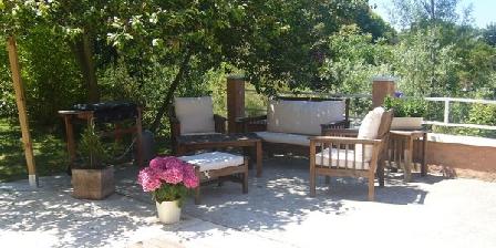 Le Jardin Ombragé Le Jardin Ombragé, Chambres d`Hôtes St Paul D'izeaux (38)