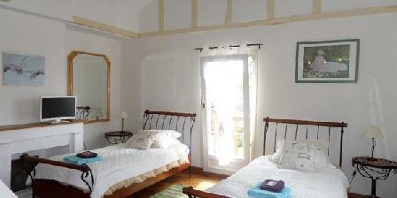 Location de vacances La Roseraie > La Roseraie, Chambres d`Hôtes Ste Genevieve Les Gasny (27)