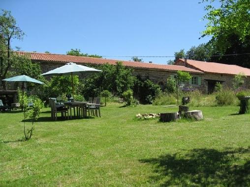 bed & breakfast Haute-Loire - Our garden
