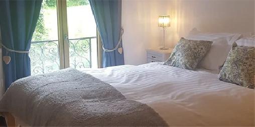 Chambre d'hote Nièvre - Le Colombier, Chambres d`Hôtes Dornes (58)