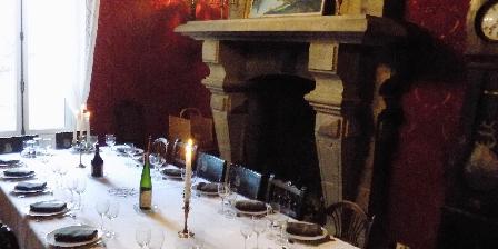 La Demeure De Louis Grande salle à manger avec cheminée monumentale