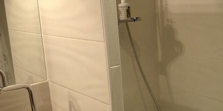 L'echoppe & Les Toiles L'echoppe & Les Toiles, Chambres d`Hôtes Carbon Blanc (33)