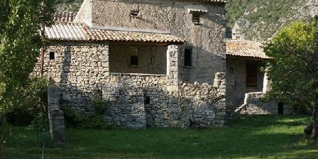 Le Hameau des Liesses Le Hameau des Liesses, Chambres d`Hôtes Chateauneuf-miravail (04)