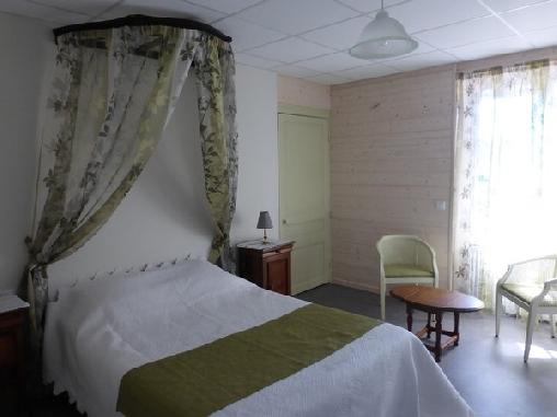 Chambre d'hote Jura - Le Bon Abri, Chambres d`Hôtes Marigny (39)