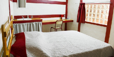 La Terre des Prés La Terre des Prés, Chambres d`Hôtes 13730 - ST VICTORET (13)