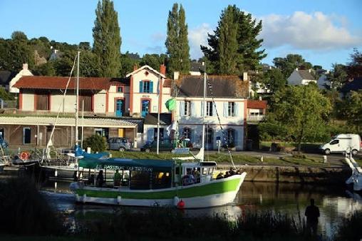 Au Bord de La Rive, Chambres d`Hôtes Pontrieux / Ploëzal (22)