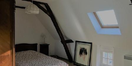 Chambres avec vue au prieuré Saint Michel au sommet du Périgord Chambres avec vue au prieuré Saint Michel au sommet du Périgord, Chambres d`Hôtes Tourtoirac (24)