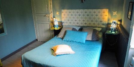 La Maison d'Isaphil La Brigand, une chambre cosy avec vue sur le jardin