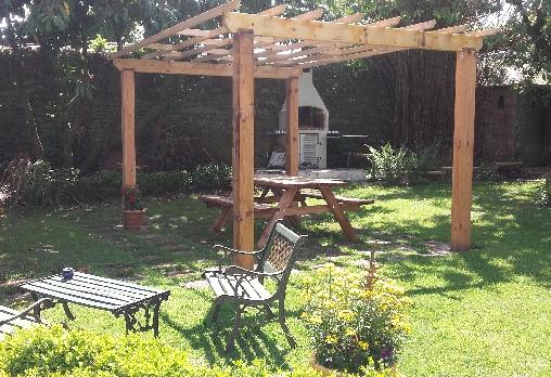 Le coin barbecue dans le jardin