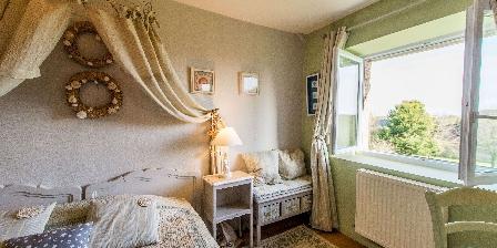 Le Reve B&B-La-Barbinais-chambres-dhotes-saint-malo-saule_fenetre-jardin
