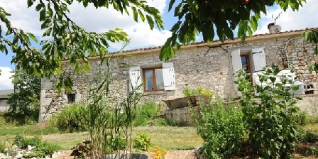 Simply Canvas & Permaculture; Gites Simply Canvas & Permaculture; Gites, Chambres d`Hôtes Saint Jean De Duras (47)
