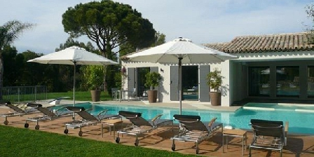 Spacious Villa With Pool Spacious Villa With Pool, Chambres d`Hôtes Saint-tropez (83)