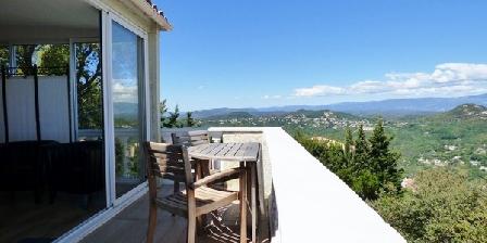 L'estérel Panoramique Vue Mer Baie De Cannes Et Montagnes L'estérel Panoramique Vue Mer Baie De Cannes Et Montagnes, Chambres d`Hôtes Les Adrets De L'Estérel (83)