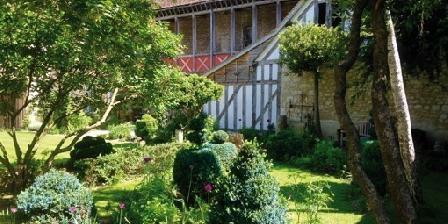 Le Jardin de La Cathédrale Le Jardin de La Cathédrale, Chambres d`Hôtes Troyes (10)
