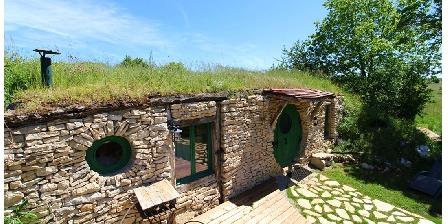 La maison troglodyte des Hobbits La maison troglodyte des Hobbits, Chambres d`Hôtes Lavaurette (82)