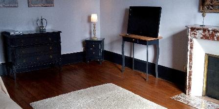La Buissonniere Azay-le-rideay Le salon, TV, accès wifi