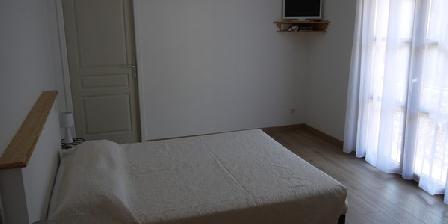 Au Petit Burzet Au Petit Burzet, Chambres d`Hôtes Burzet (07)