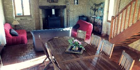 La Bergerie Le salon et son poêle à bois