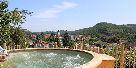 Gite Hôtel Gîte La Peyrade > La Vallée et le Village du Spa