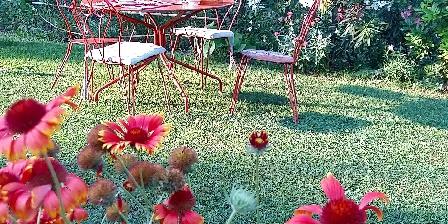 Le Coeurisier Dans le jardin