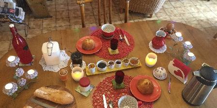 La Chambre des Anges 3 épis Gdf Petit-déjeuner maison, bio et local