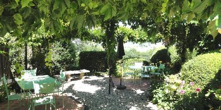 Le Petit Gîte du Château de Missandre La tonnelle