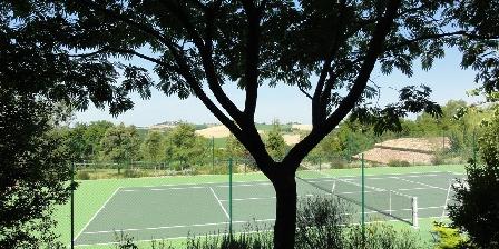 Le Petit Gîte du Château de Missandre Le court de tennis