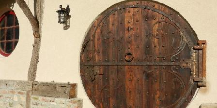 Gite du Goubelin : Féérie Piscine et Jacuzzi  Gite du Goubelin - Porte