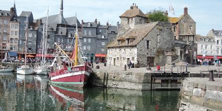Gite du Goubelin : Féérie Piscine et Jacuzzi  Honfleur et son vieux port