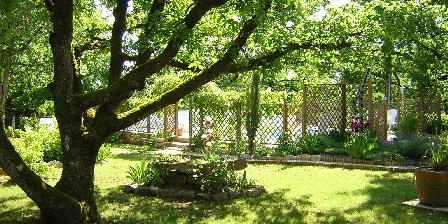 Cottage Gîte de Lescurou 4 pers. > jardin paysagé