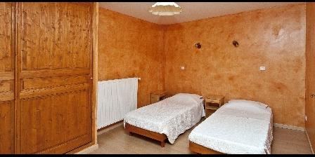 Le Mas de La Citadelle - Gîte La Treille Chambre