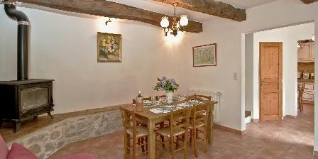 Le Mas de La Citadelle - Gîte Les Marronniers Du séjour vers la cuisine