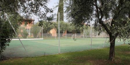 Le Clos des Oliviers Vue d'ensemble depuis le tennis