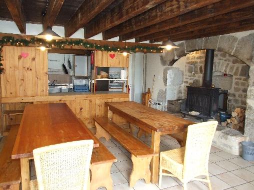 bed & breakfast Puy-de-Dôme - Kitchen en diningroom