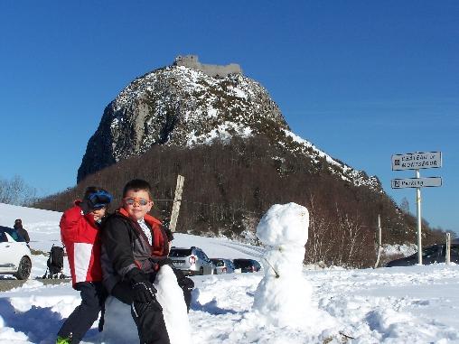 Château de Montségur- Enfants à la neige
